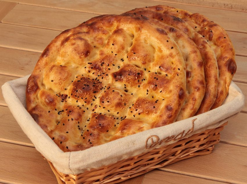 10 Greatest Health Benefits of Turkish Bread for Daily Diet