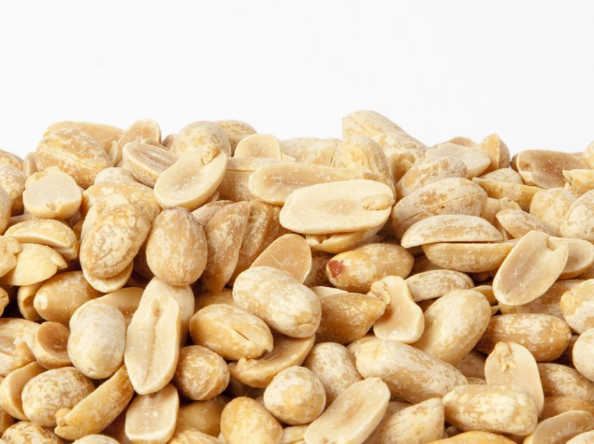 14 Health Benefits of Roasted Peanuts for Healthy Heart
