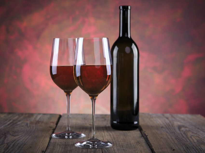 10 Benefits of Red Wine for Skin Health to Keep Smooth and Silky