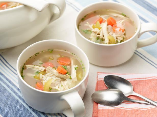 Health Benefits of Chicken Soup for Cold (#1 Home Remedy)
