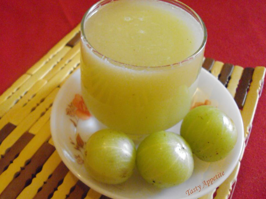 Excellent Benefits of Indian Gooseberry Amla with Honey for Body
