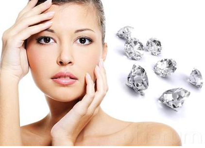 10 Awesome Benefits of Diamond Peel Microdermabrasion for Younger Look
