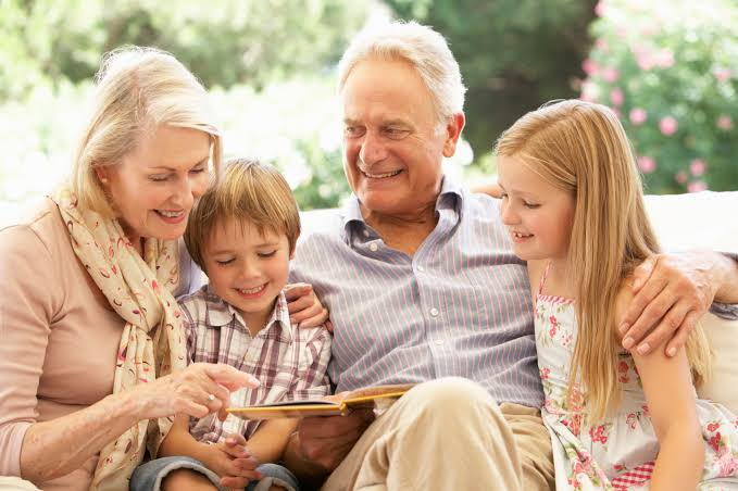 What Are The Benefits of Talking to Older Family Members?