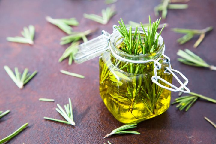 8 Superb Benefits of Rosemary Oil for Respiratory (No 1 Good for