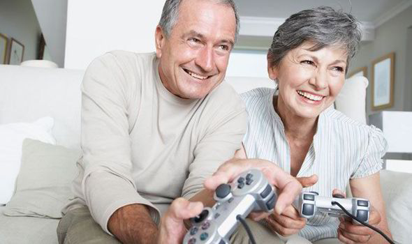 Benefits of Games for Seniors – For Social Life and Brain Health