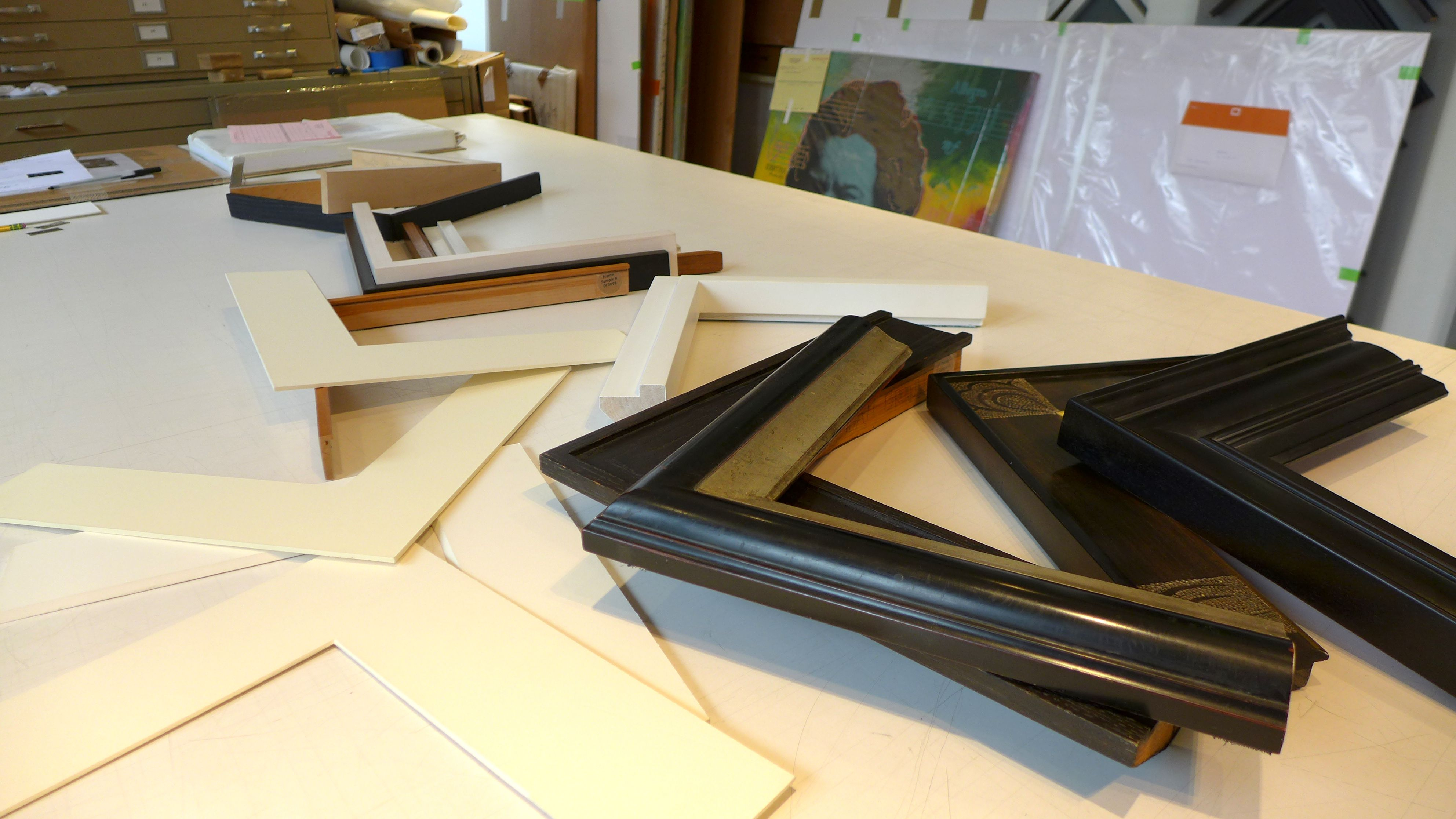 Showroom view, choosing profiles that we use when designing frames.