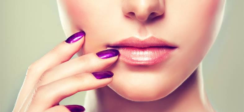 Gepflegte Nägel und Lippem