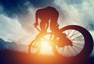Rafahren im Sonnenuntergang