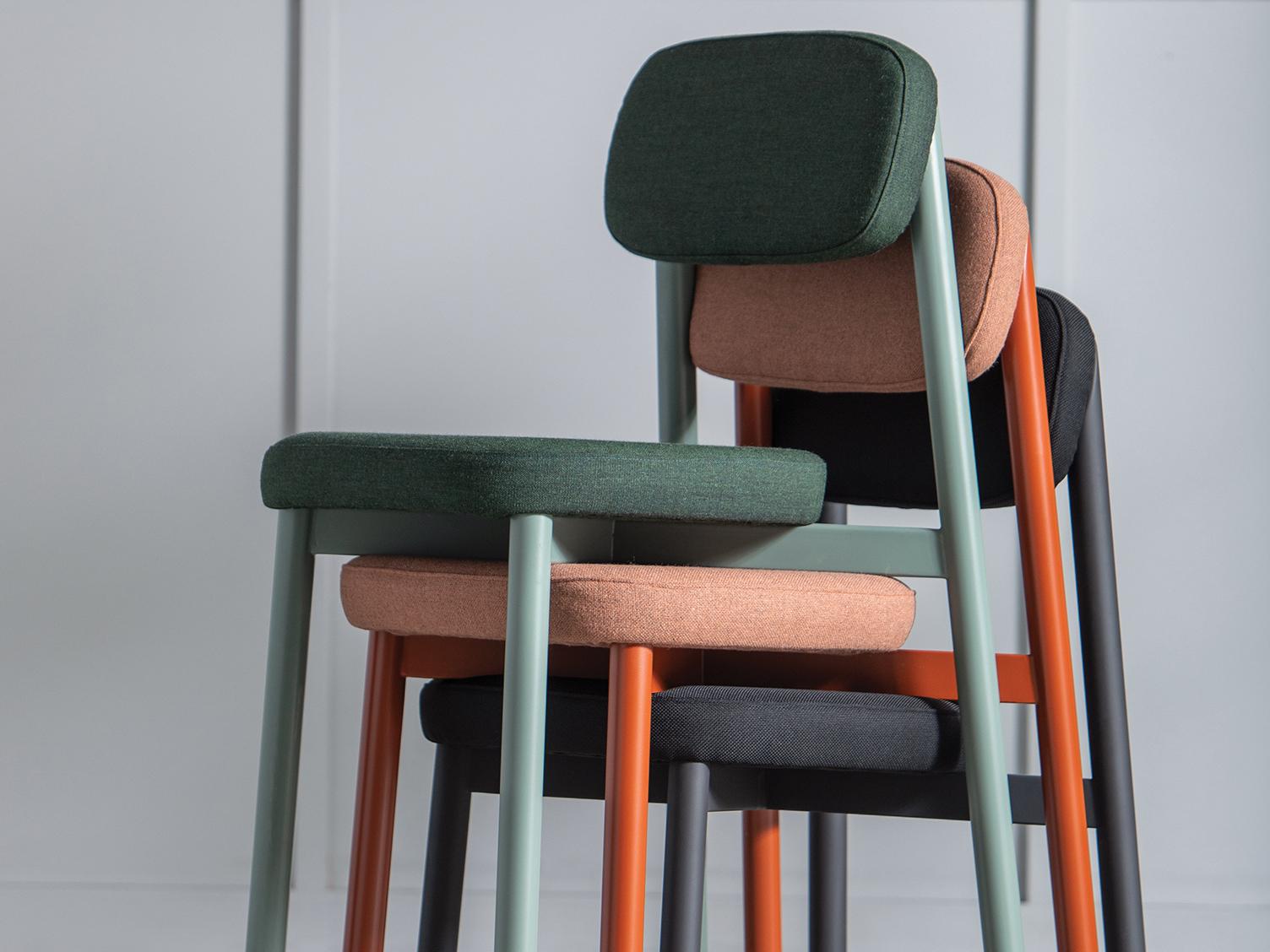 La chaise Residence est empilable et assure un grand confort.