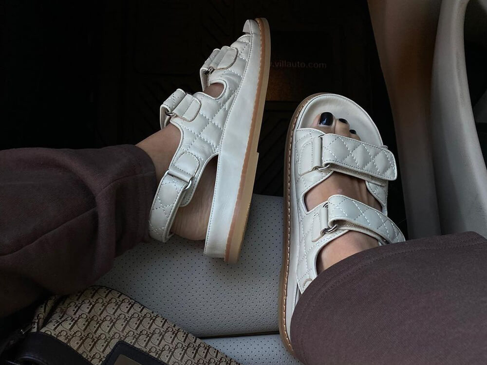 How to wear: Velcro Sandals