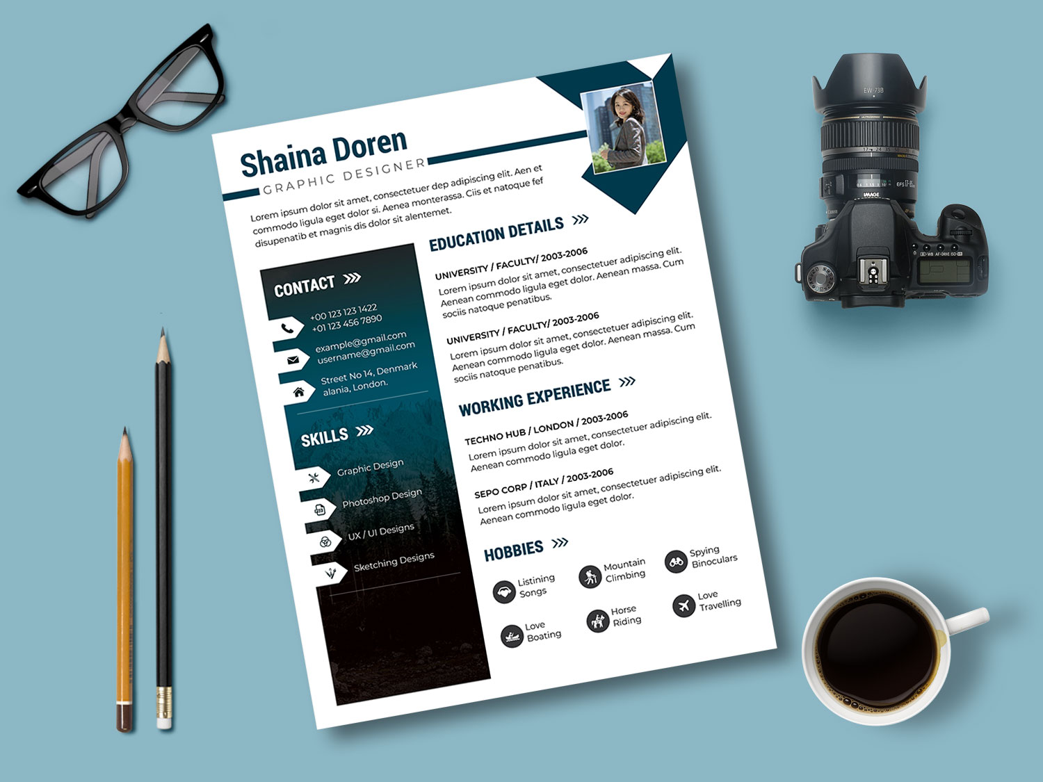 Showcase Resume PSD Template