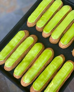ÉCLAIRS - 5 pieces - choux filled with a silky pastry cream