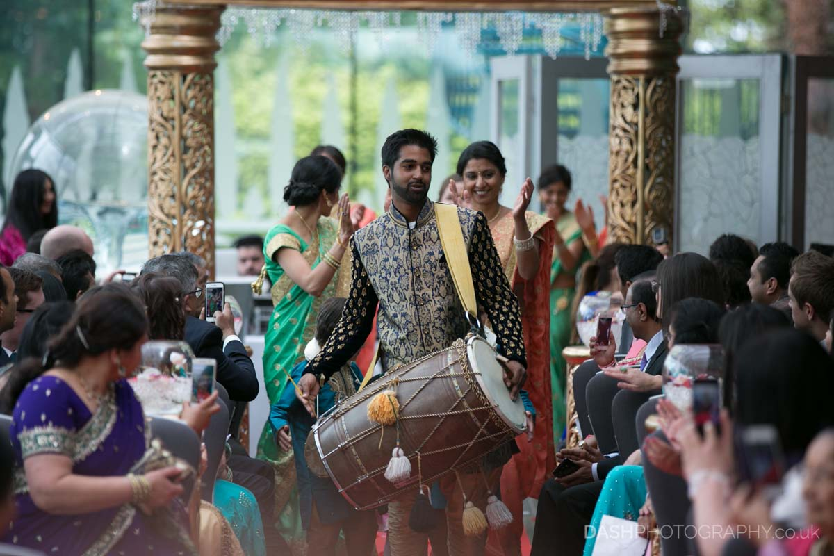 Drums during groom entrance at Hindu ceremony, Image by Dustin Moris Gorski
