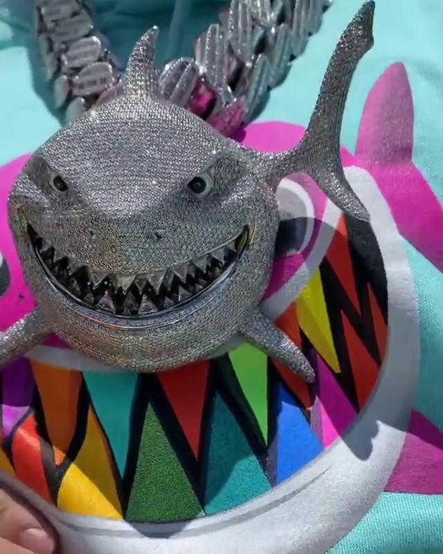 Tekashi 6ix9ine S Finding Nemo Diamond Shark Chain Is Worth Almost A Million Dollars
