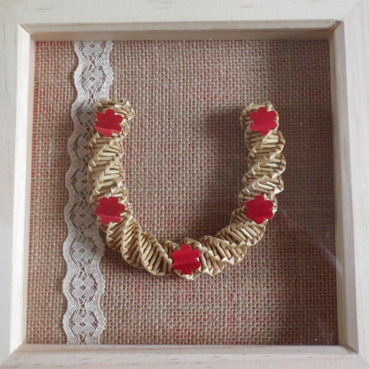 Vintage style framed horseshoe
