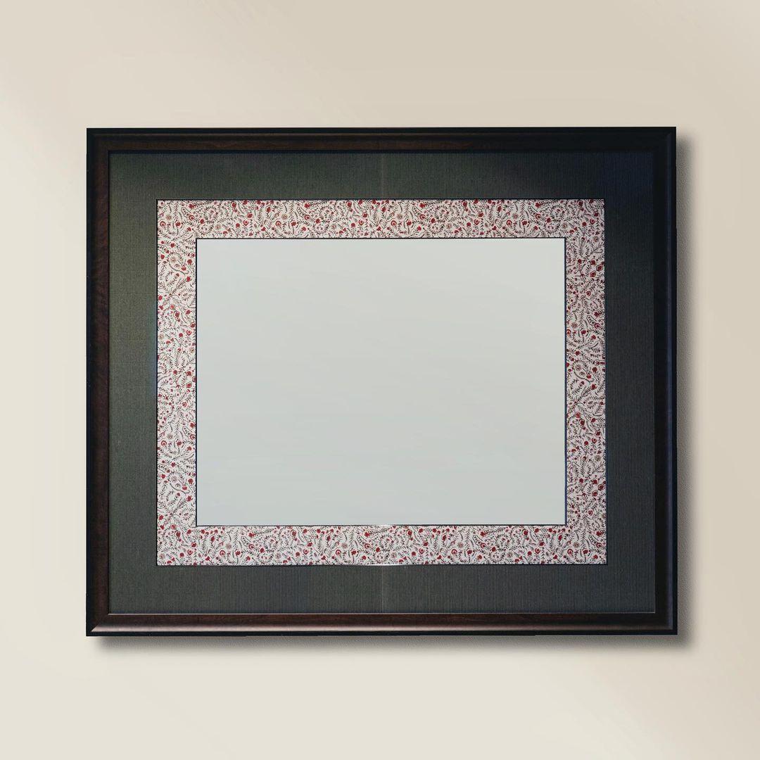 Зеркало с ситцевым паспарту