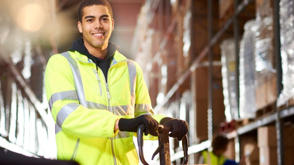 Pole emploi - offre emploi Préparateur de commandes caces 1 (H/F) - Reventin-Vaugris