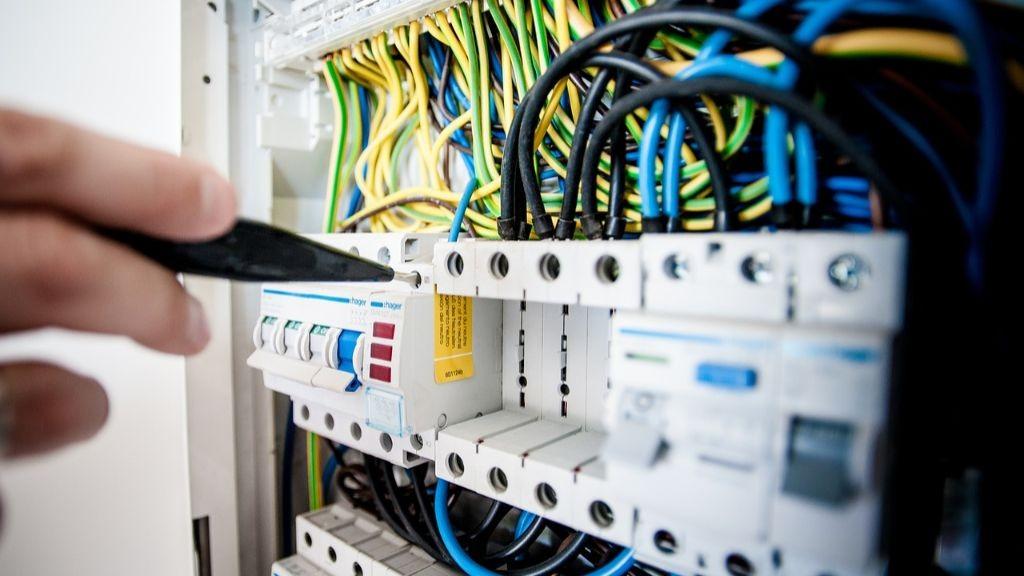 Pole emploi - offre emploi Électricité et de l'électronique niveau 4 (H/F) -