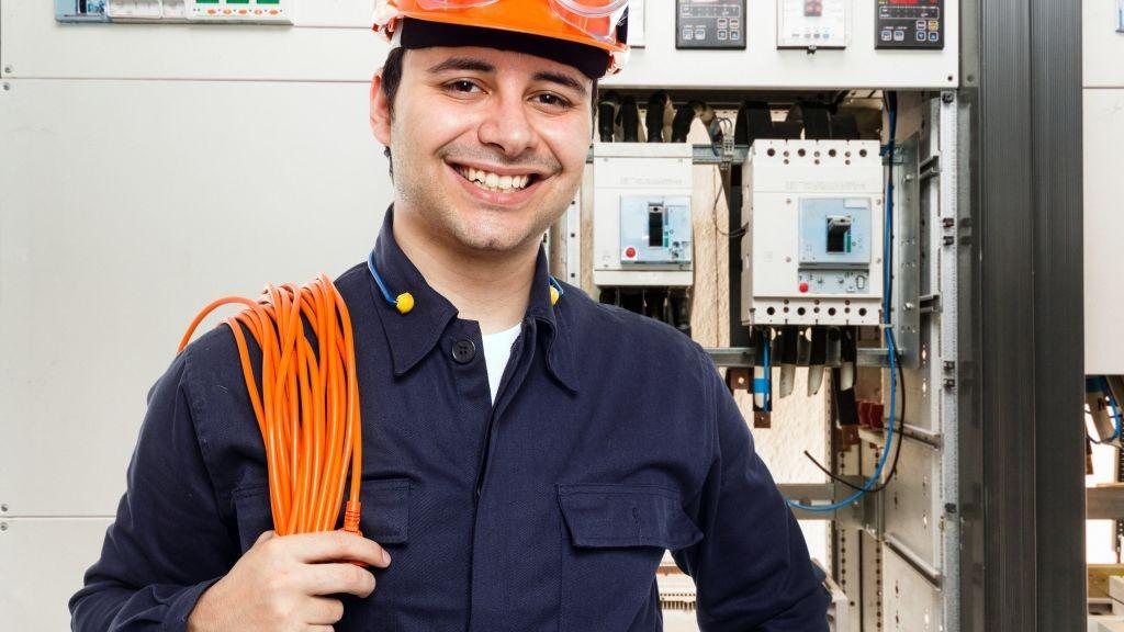 Pole emploi - offre emploi Electricien caces 3b (H/F) - Vannes