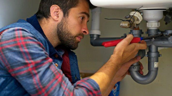 Pole emploi - offre emploi Plombier robinetier (H/F) - Gien