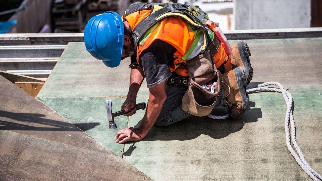 Pole emploi - offre emploi Charpentier couvreur (H/F) - Montsûrs