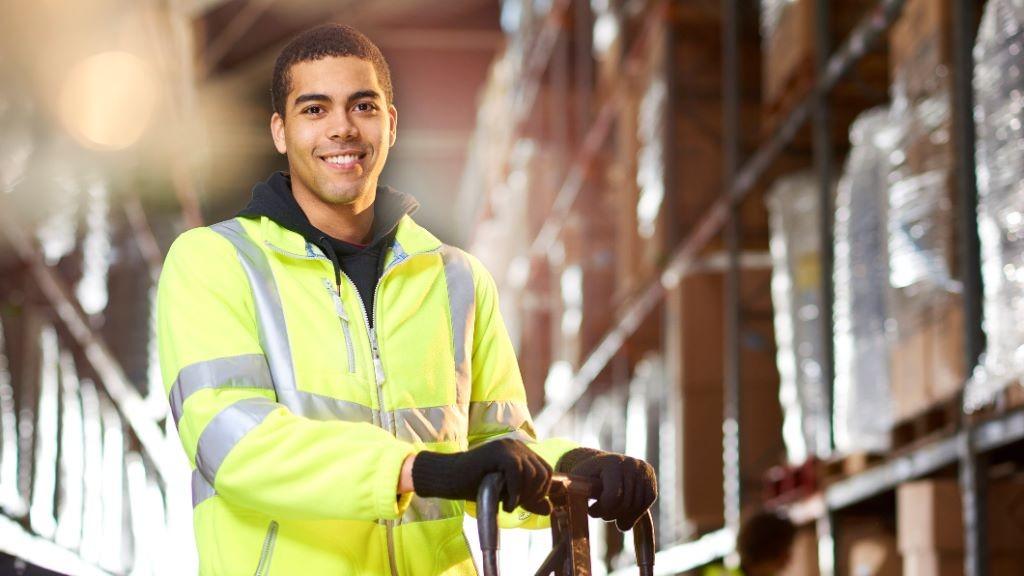 Pole emploi - offre emploi Magasinier preparateur de commande(h/f) (H/F) - Annonay