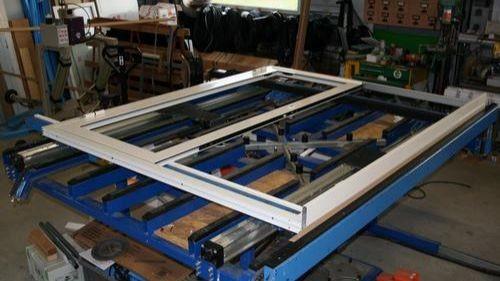 Pole emploi - offre emploi Menuisier de fabrication bois pvc alu (H/F) - La Ciotat