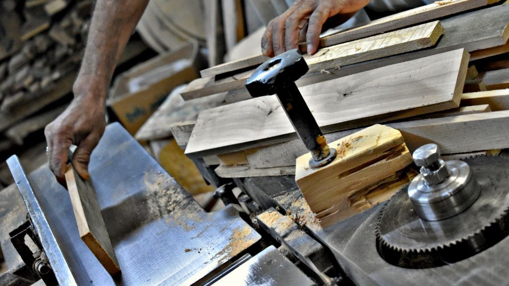 Pole emploi - offre emploi Menuisier poseur (H/F) - Seigy