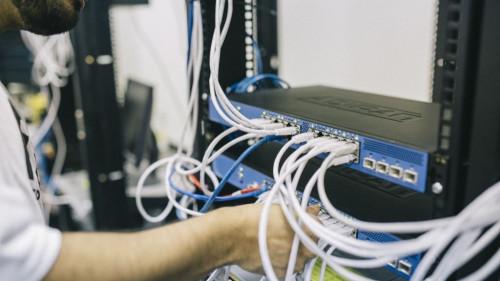 Pole emploi - offre emploi Monteur câbleur (H/F) - Aubagne