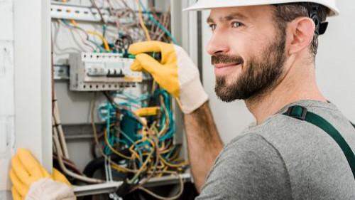 Pole emploi - offre emploi Electricien (H/F) - Ernée