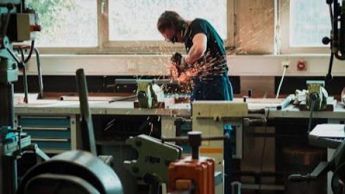 Pole emploi - offre emploi Menuisier (H/F) - Le Puy-Notre-Dame