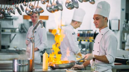 Pole emploi - offre emploi Cuisinier d'hôtel restaurant (H/F) - Vitrolles