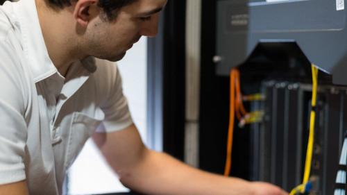 Pole emploi - offre emploi Administrateur systèmes et réseaux (H/F) - Rennes