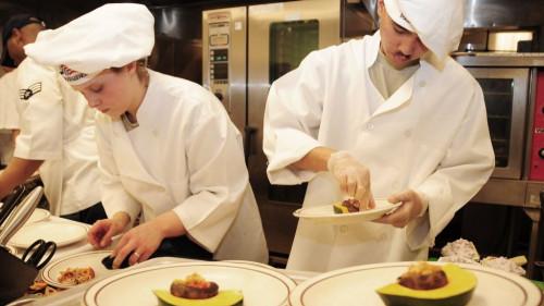 Pole emploi - offre emploi Cuisinier de collectivité (H/F) - La Trinité-Sur-Mer