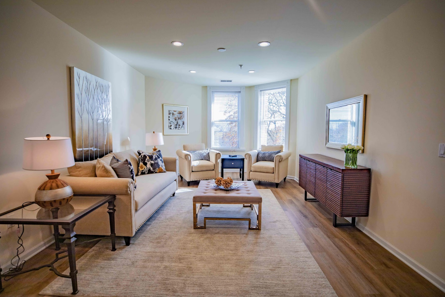 Distinctive Renovated Apartment Home Decorated for Holiday Season