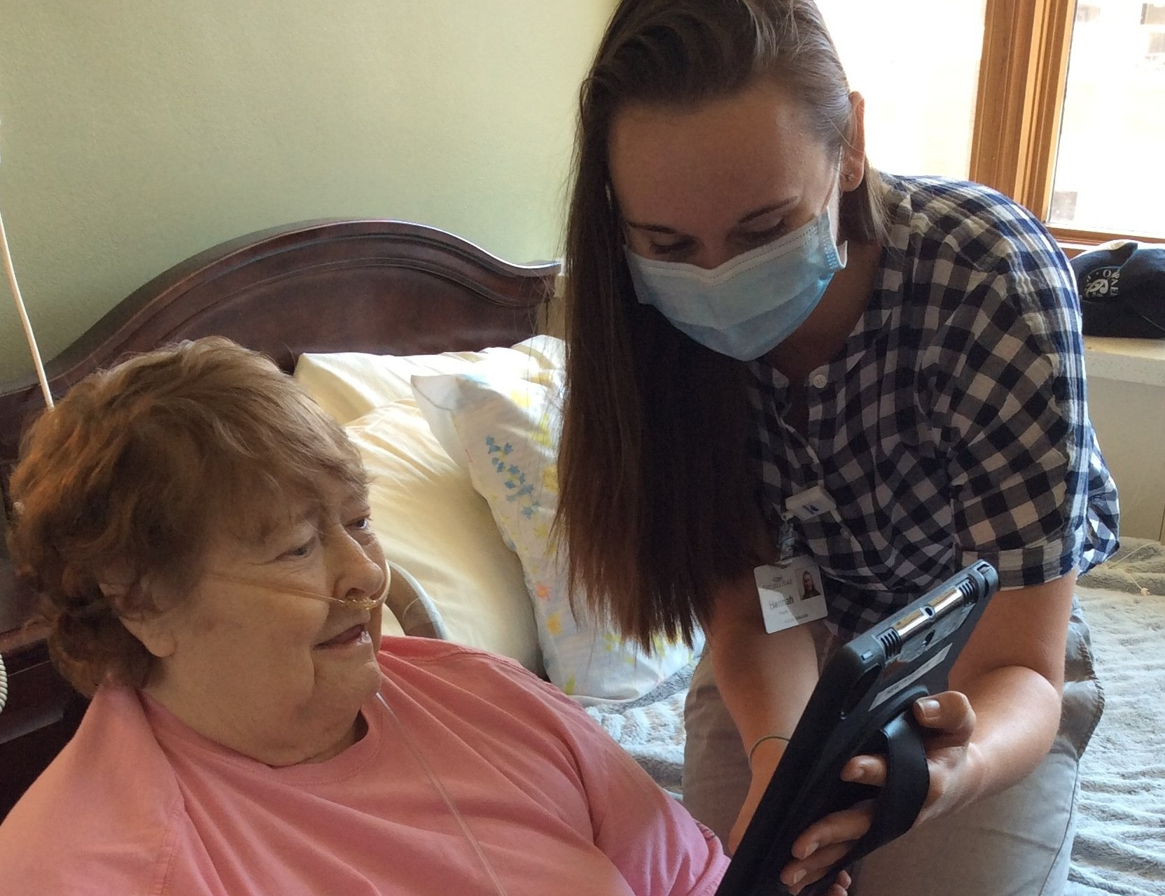 Seniors Staying in Touch the High-Tech Way