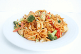 Thai Peanut Chicken & Swoodle Stir Fry