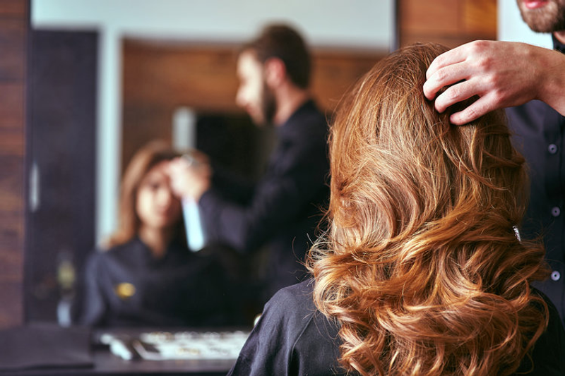 Picture of 6 types of people you'll definitely see at the hair salons