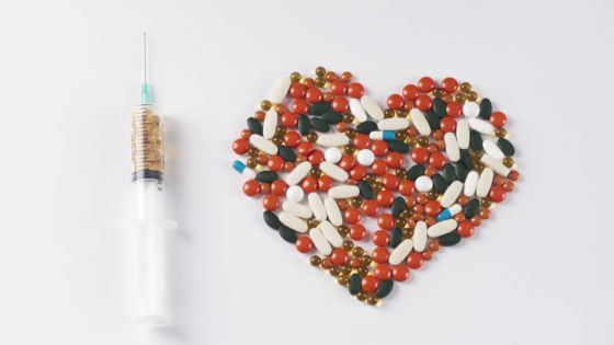 Echo-NHS-Heart-Pills-and-Syringe