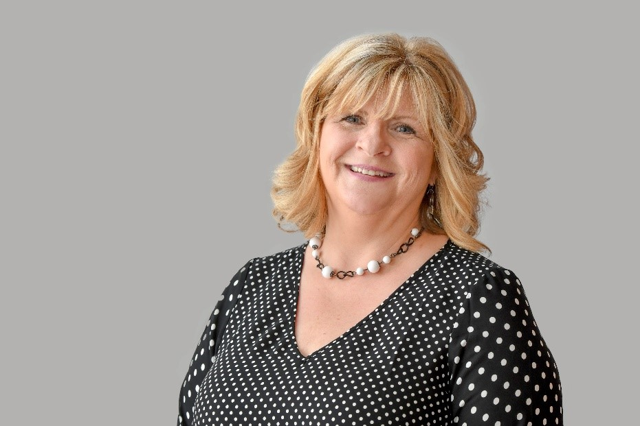 Edgewood Summit Team Member Recognized as Outstanding Assisted Living Professional