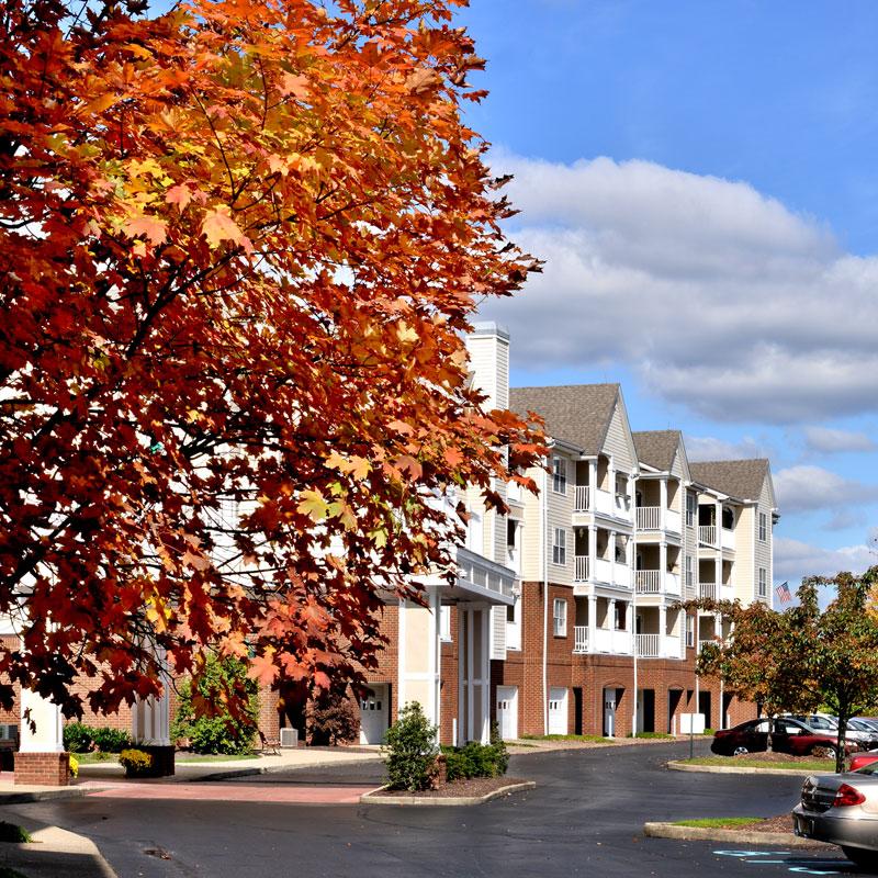 beautiful view of edgewood summit apartments