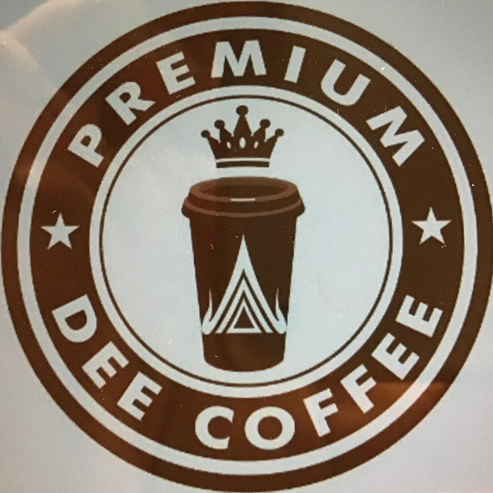 Dee Coffee logo ekocheras mall.jpg