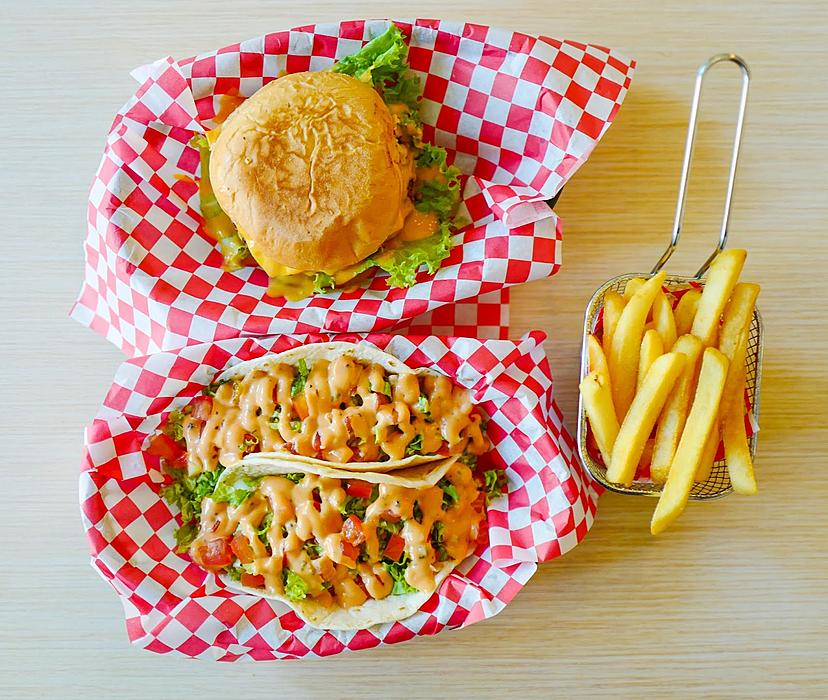 burger & taco, cyberjaya