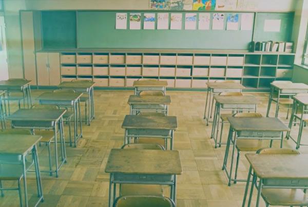 Școala românească, la granița dintre tradiție și inovare prin tehnologie