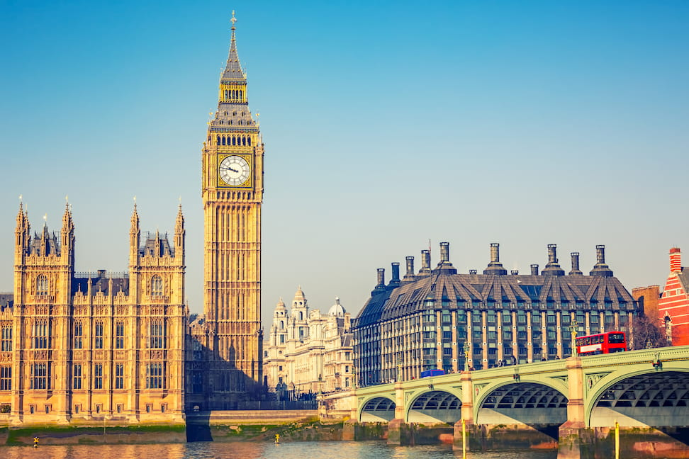 イギリス留学の費用・奨学金・おすすめ大学を解説