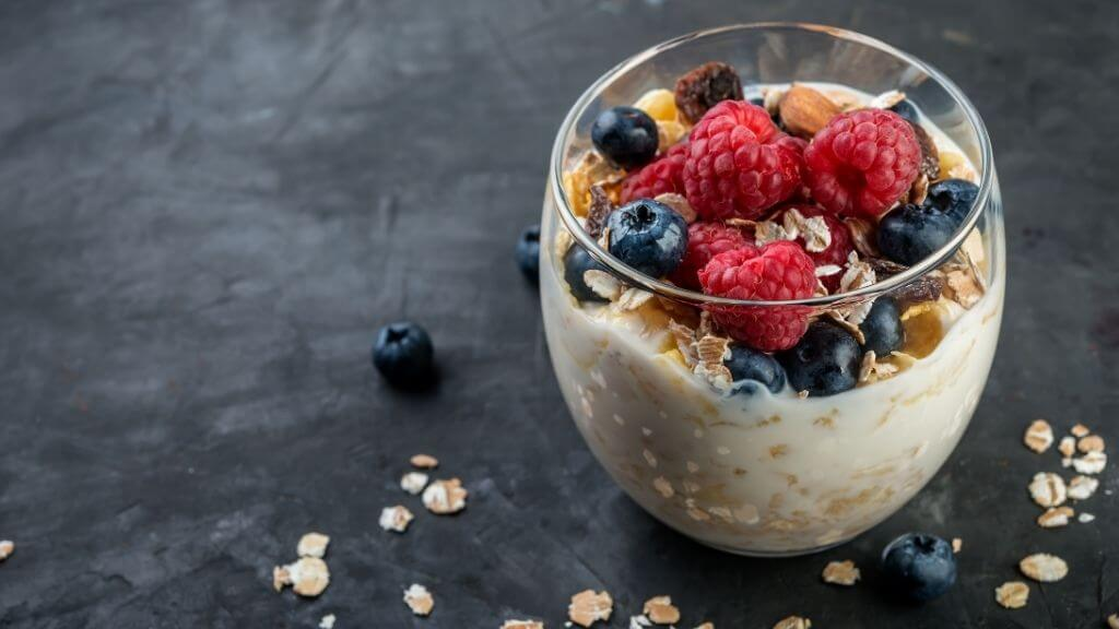 Yogurt with fortified cereals and berries