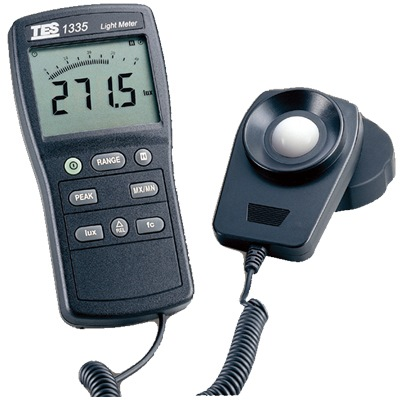 TES DIGITAL LUX METER (LIGHT METER) 1335