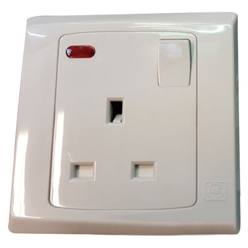 Mk Electric 13a Switch Socket Outlet With Neon - S2657