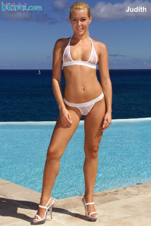 Judith-Rakers-Bikini-01.jpg