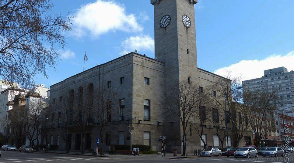 El ex intendente no consultó al Concejo Deliberante local respecto de las erogaciones que tendría que hacer la Comuna.